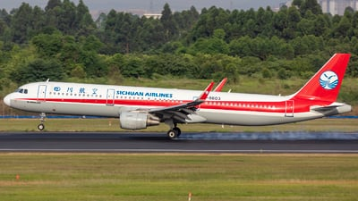 A picture of B8603 - Airbus A321211 - Sichuan Airlines - © Eric Wang
