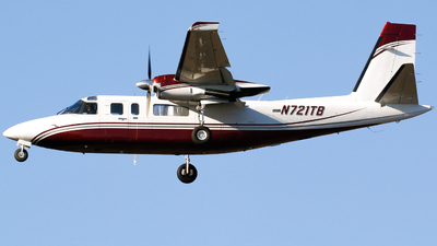A picture of N721TB - Rockwell 690B - [11352] - © Alec Mollenhauer