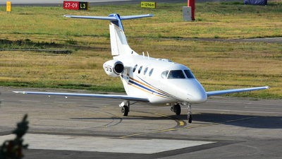 T7-UTS - Hawker Beechcraft 390 Premier I - Private