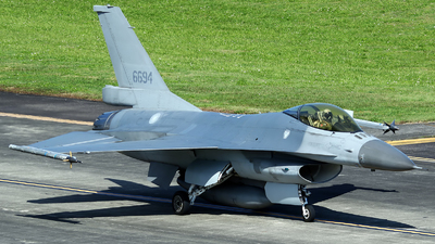 6694 - General Dynamics F-16A Fighting Falcon - Taiwan - Air Force