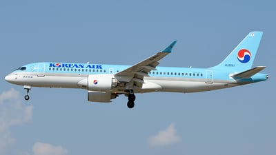 HL8091 - Airbus A220-300 - Korean Air