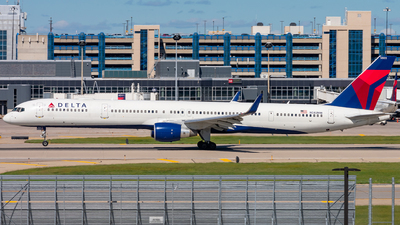 N583NW - Boeing 757-351 - Delta Air Lines