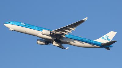 A picture of PHAKD - Airbus A330303 - KLM - © Mark de Bruijn