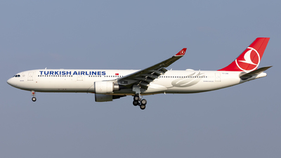 A picture of TCLNG - Airbus A330303 - Turkish Airlines - © Kris Van Craenenbroeck