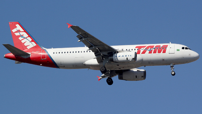 A picture of PTMZJ - Airbus A320232 - [01251] - © TLBorges
