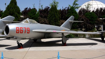 8679 - Mikoyan-Gurevich MiG-17 Fresco - China - Air Force