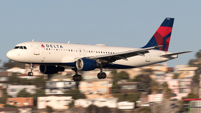 A picture of N369NW - Airbus A320212 - Delta Air Lines - © Yixin Chen