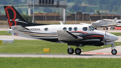 A picture of N290PA - Beech C90 King Air - [LJ519] - © Claus Seifert