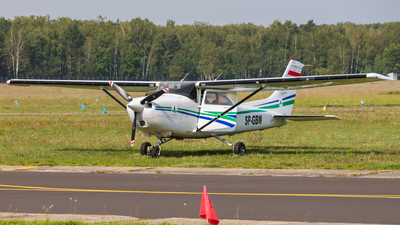 SP-GBW - Cessna 182S Skylane - Private