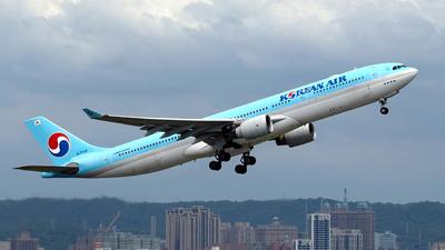 A picture of HL7709 - Airbus A330323 - Korean Air - © HHD0221