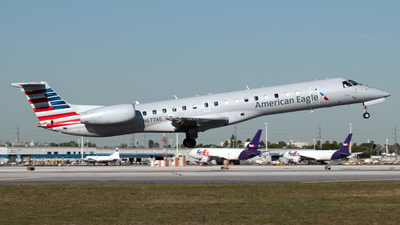 A picture of N677AE - Embraer ERJ145LR - American Airlines - © PAUL LINK