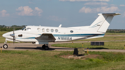N166SA - Beechcraft 300 Super King Air - Private