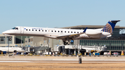 N12195 - Embraer ERJ-145XR - United Express (ExpressJet Airlines)