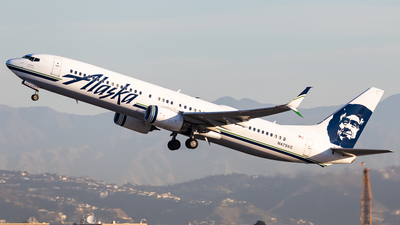 A picture of N479AS - Boeing 737990(ER) - Alaska Airlines - © Brandon Giacomin