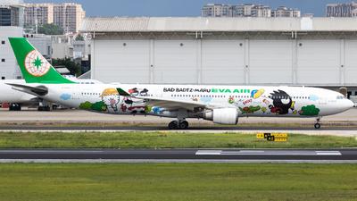 A picture of B16331 - Airbus A330302 - EVA Air - © Wenbin Lin