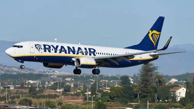 A picture of 9HQBG - Boeing 7378AS - Ryanair - © Fernando Roca