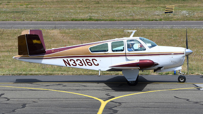A picture of N3316C - Beech E35 Bonanza - [D3982] - © bruno muthelet