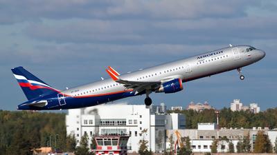 A picture of VPBAV - Airbus A321211 - Aeroflot - © Ivan Goreza