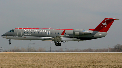 N8672A - Bombardier CRJ-200ER - Northwest Airlink (Pinnacle Airlines)