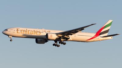A6-ECW - Boeing 777-31HER - Emirates