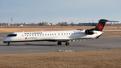 C-FNJZ - Bombardier CRJ-705LR - Air Canada Express (Jazz Aviation)
