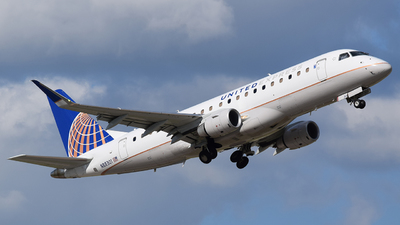 A picture of N88301 - Embraer E175LR - United Airlines - © Michael Place