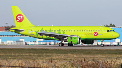 A picture of VPBHI - Airbus A319114 - S7 Airlines - © Belikov Ilya