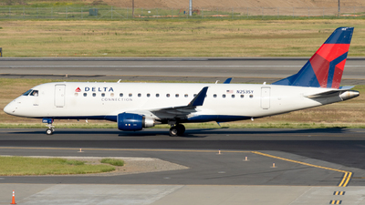 A picture of N253SY - Embraer E175LR - Delta Air Lines - © global_flyer1