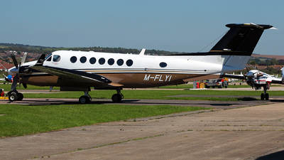 M-FLYI - Beechcraft B300 King Air 350 - Private