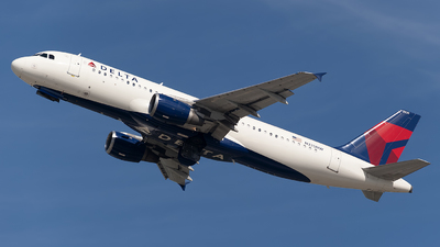 A picture of N335NW - Airbus A320212 - Delta Air Lines - © Mark Lawrence