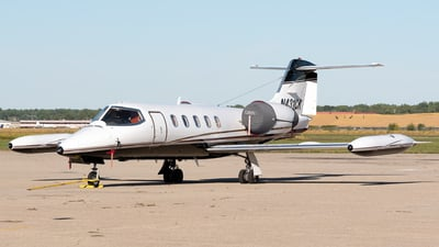 A picture of N431CK - Learjet 35A - Kalitta Charters - © Ben Suskind