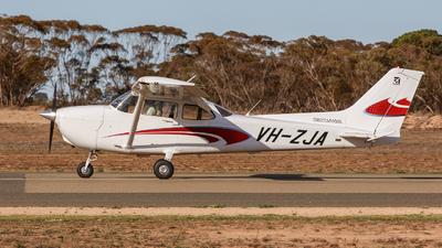 A picture of VHZJA - Cessna 172S Skyhawk SP - [172S12116] - © Sunny LU