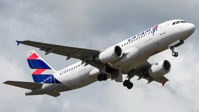 CC-BAQ - Airbus A320-214 - LATAM Airlines
