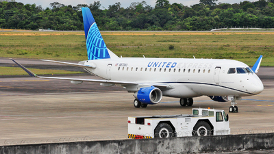 A picture of N87380 - Embraer E175LL - United Airlines - © Wiliam Braun