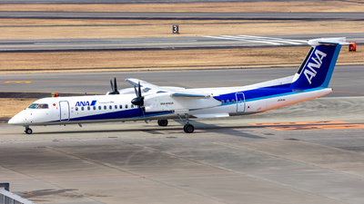 A picture of JA854A - De Havilland Canada Dash 8400 - All Nippon Airways - © yukikerori