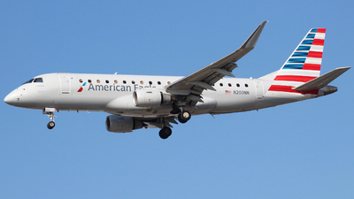 A picture of N200NN - Embraer E175LR - American Airlines - © Nate Morin