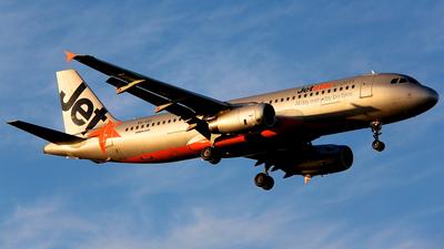 VH-VQY - Airbus A320-232 - Jetstar Airways