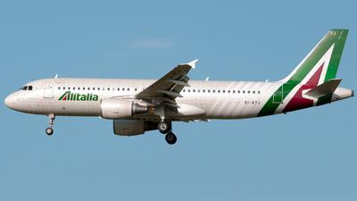 A picture of EIDTJ - Airbus A320216 - Alitalia - © bibi