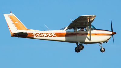 N8630U - Cessna 172F Skyhawk - Private
