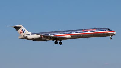 N9618A - McDonnell Douglas MD-83 - American Airlines