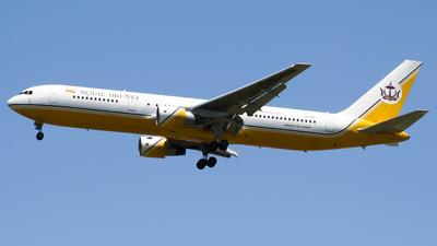 V8-RBF - Boeing 767-33A(ER) - Royal Brunei Airlines