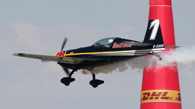 D-EARG - Extra 300LC - Red Bull Racing Team