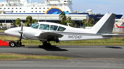 N4704P - Piper PA-23-250 Aztec - Private