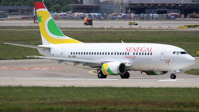 YR-AMD - Boeing 737-530 - Air Senegal Express (Blue Air)