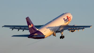 A picture of N687FE - Airbus A300F4605R - FedEx - © Wes Loeffler