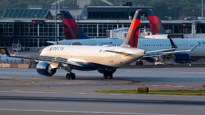 A picture of N305DU - Airbus A220300 - Delta Air Lines - © Steve Rinde