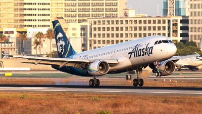 N836VA - Airbus A320-214 - Alaska Airlines
