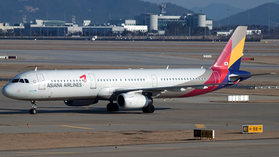 HL8266 - Airbus A321-231 - Asiana Airlines
