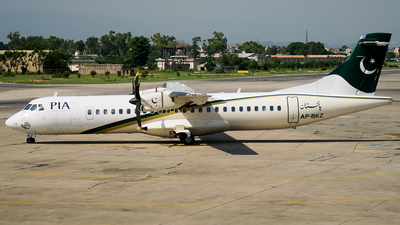 AP-BKZ - ATR 72-212A(500) - Pakistan International Airlines (PIA)