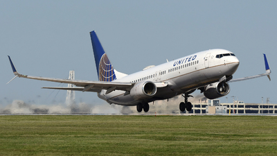 A picture of N34222 - Boeing 737824 - United Airlines - © DJ Reed - OPShots Photo Team